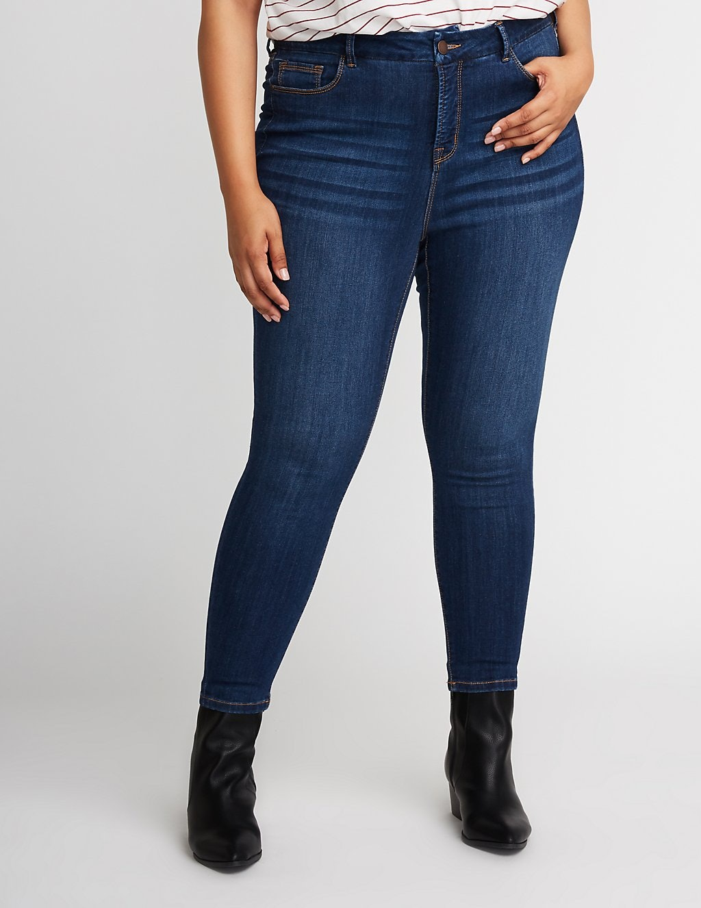 11c4d9bead32 The Best Plus-Size Jeans According To 8 Fashion Influencers