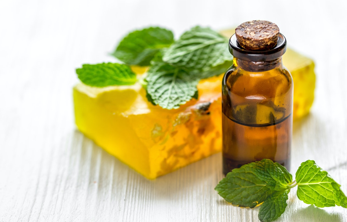 The 5 Best Essential Oils For Cleaning
