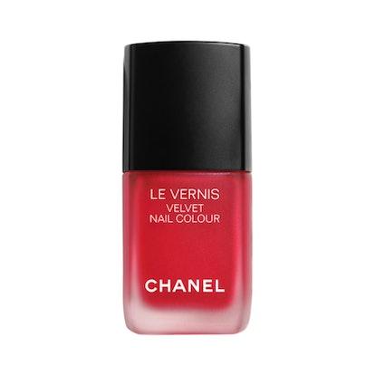Le Vernis Velvet Nail Color in Ultime