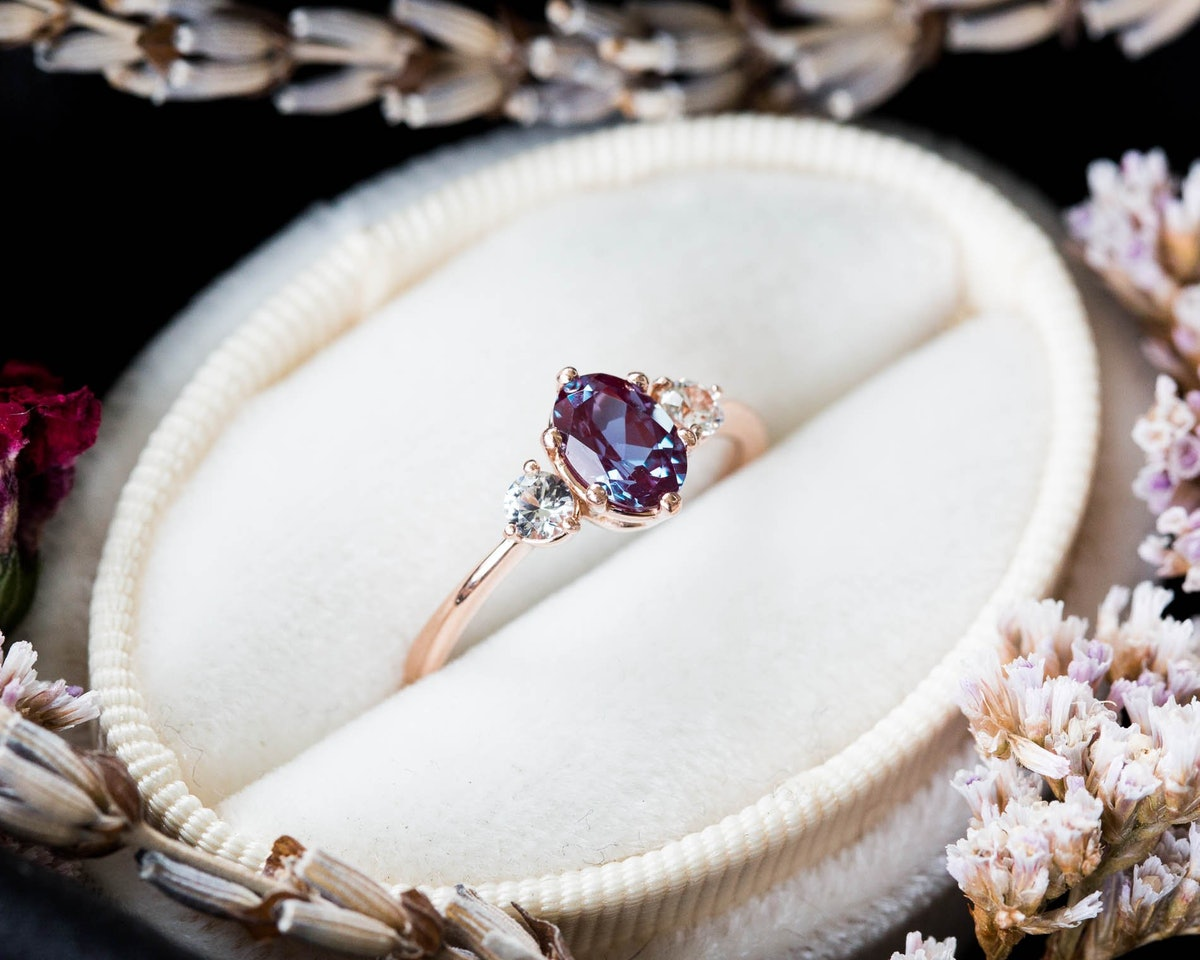 Birthstone Engagement Rings Are The 2019 Trend Every Non-Traditional Bride Will Love