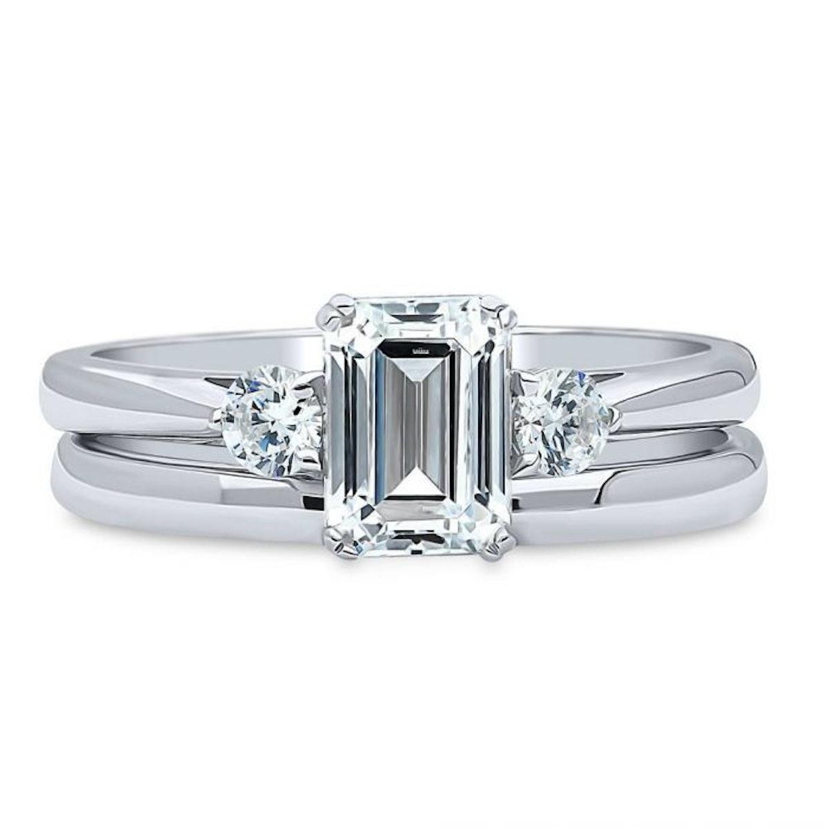 Sterling Silver Ring with Swarovski Zirconia