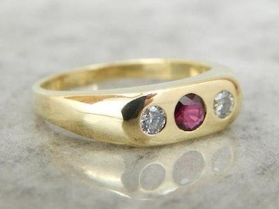 Market Square Jewelers Jewelers Ruby, Diamond And 18k Gold Flush Set, Unisex Ring