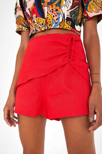 Linen Shorts With Buckle