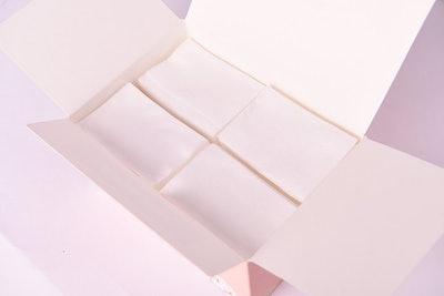 White Rabbit Premium Cotton Pad (200 Count)