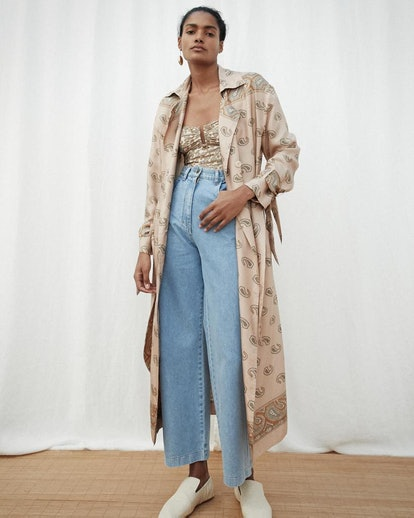 Fluid Trench With Tied Cuffs