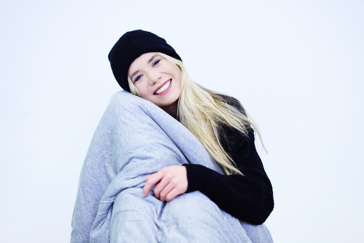 Hush Iced Weighted Blanket Solves The Biggest Problem With The Sleep-Inducing Devices