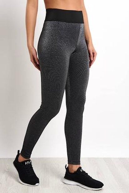 Playoff High-Rise Glow Leggings In Silver Quartz