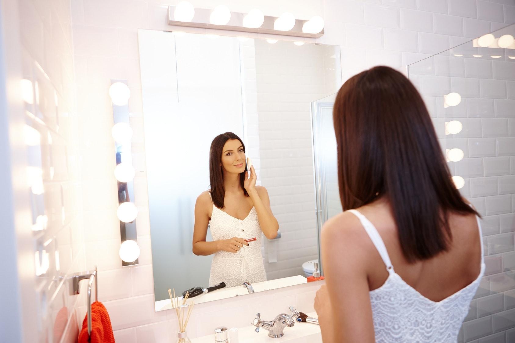 the 4 best light bulbs for a bathroom vanity rh elitedaily com  best light bulbs for bathroom vanity makeup