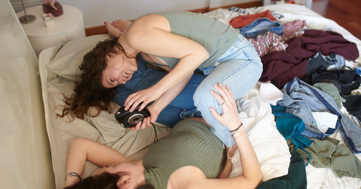 Do Dates Care About Your Messy Room? Here's How To Handle The Situation