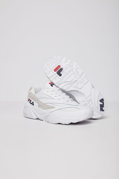 V94M Sneakers