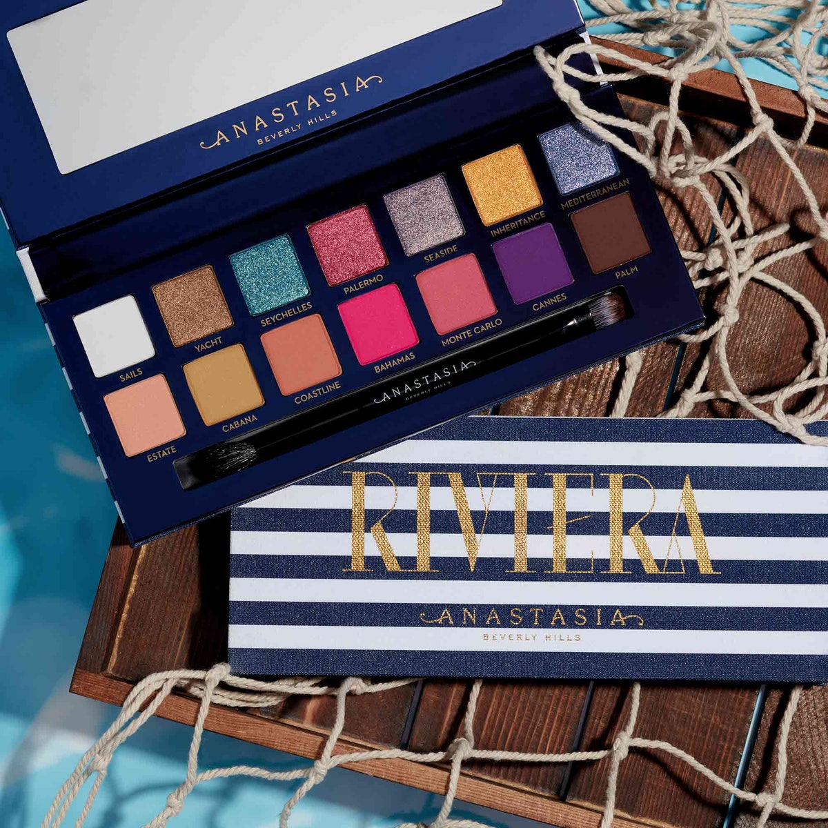 These New 2019 Eyeshadow Palettes Are SO Wearable – & Here's Proof