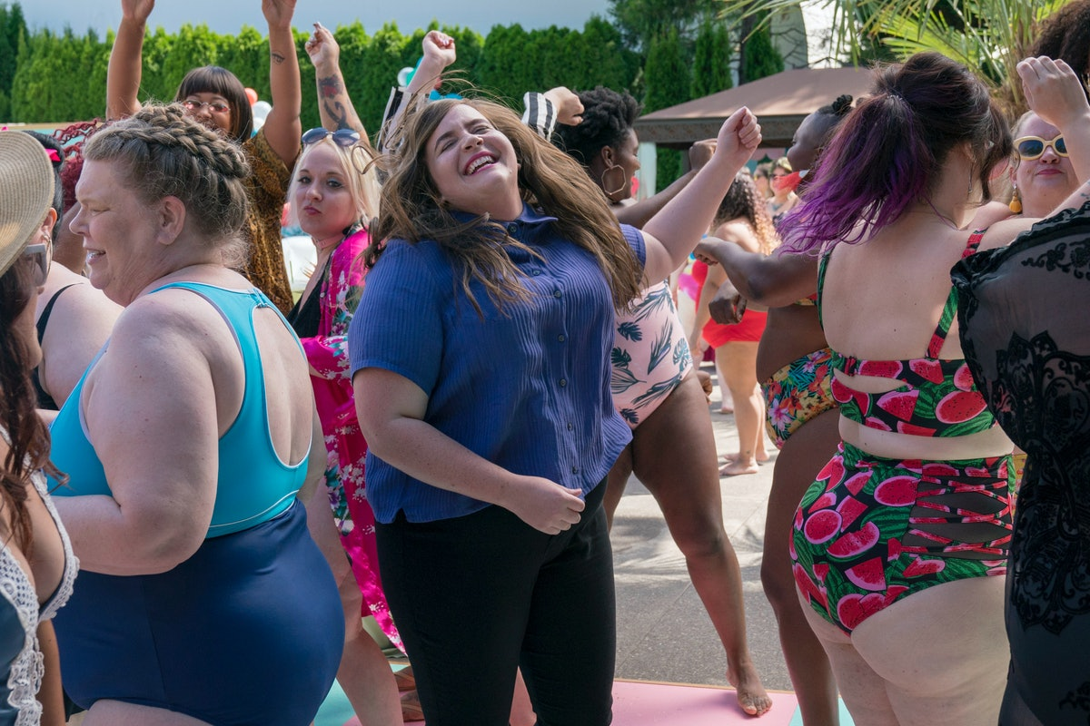 These 'Shrill' Moments Had Fans Praising The Show On Twitter, Proving We Need More Plus Size Women On Screen