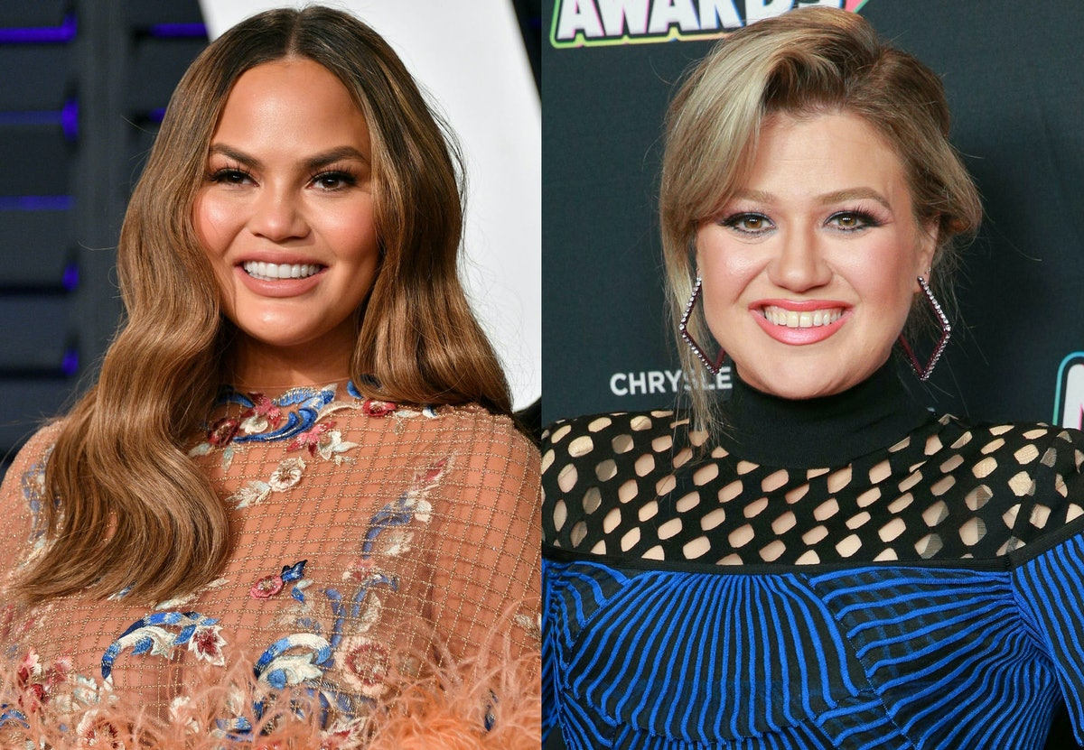 Chrissy Teigen & Kelly Clarkson Had A Hilarious Twitter Exchange About Phone Numbers & Food