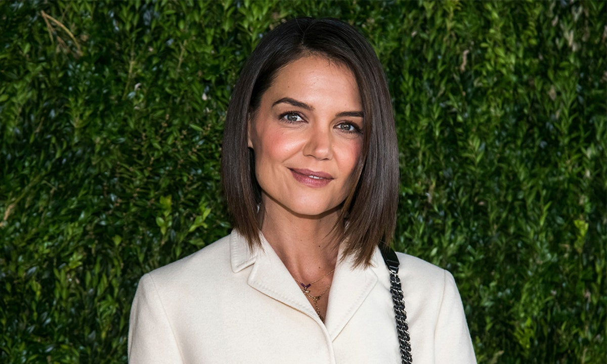 How To Wear Red Lipstick The Katie Holmes Way