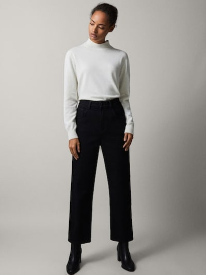 Black Topstitched Cropped Fit Jeans