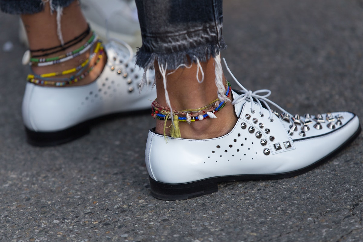 Anklets Are In Style In 2019 — But Not Like They Were In The '90s
