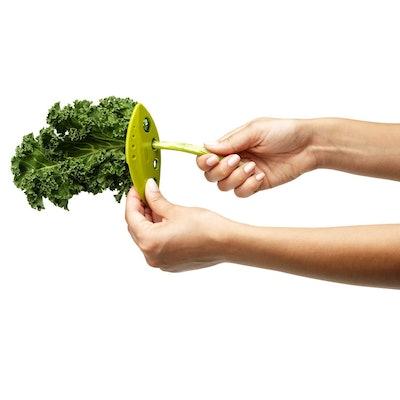 Chef'n LooseLeaf Kale, Chard, Collard Green and Herb Stripper