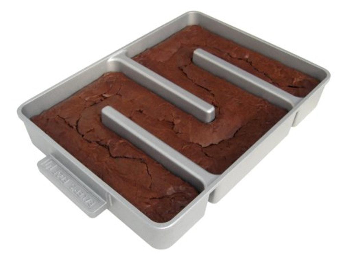 Baker's Edge Non-Stick Brownie Pan