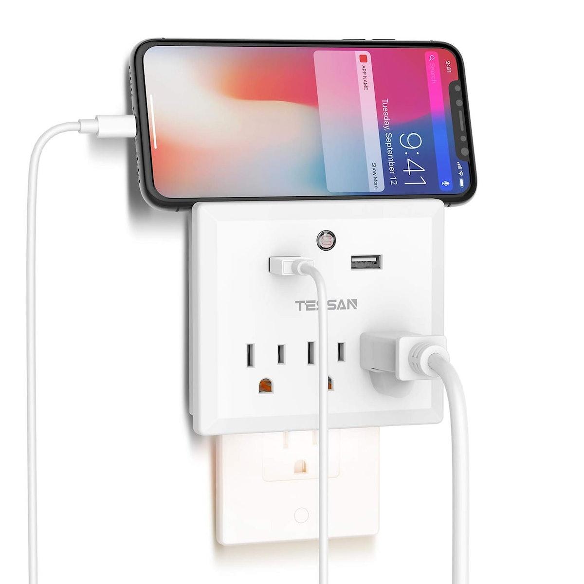 Multi-Outlet Plug Extender