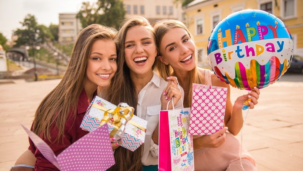 What to get a girl u like for her birthday