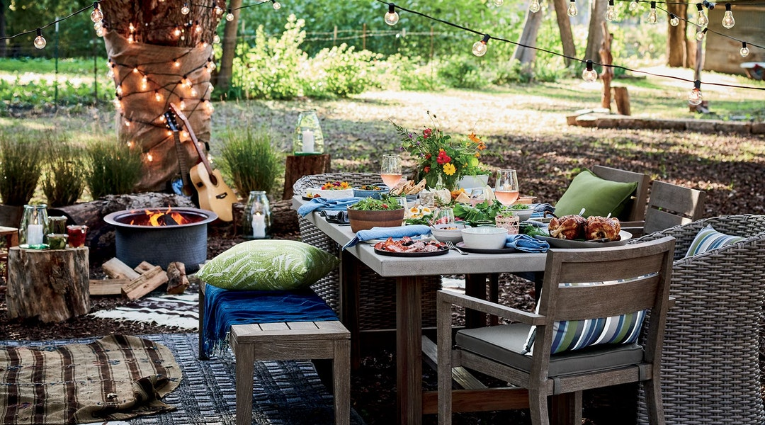 Crate Barrel S Outdoor Furniture Sale Means Up To 20 Percent Off