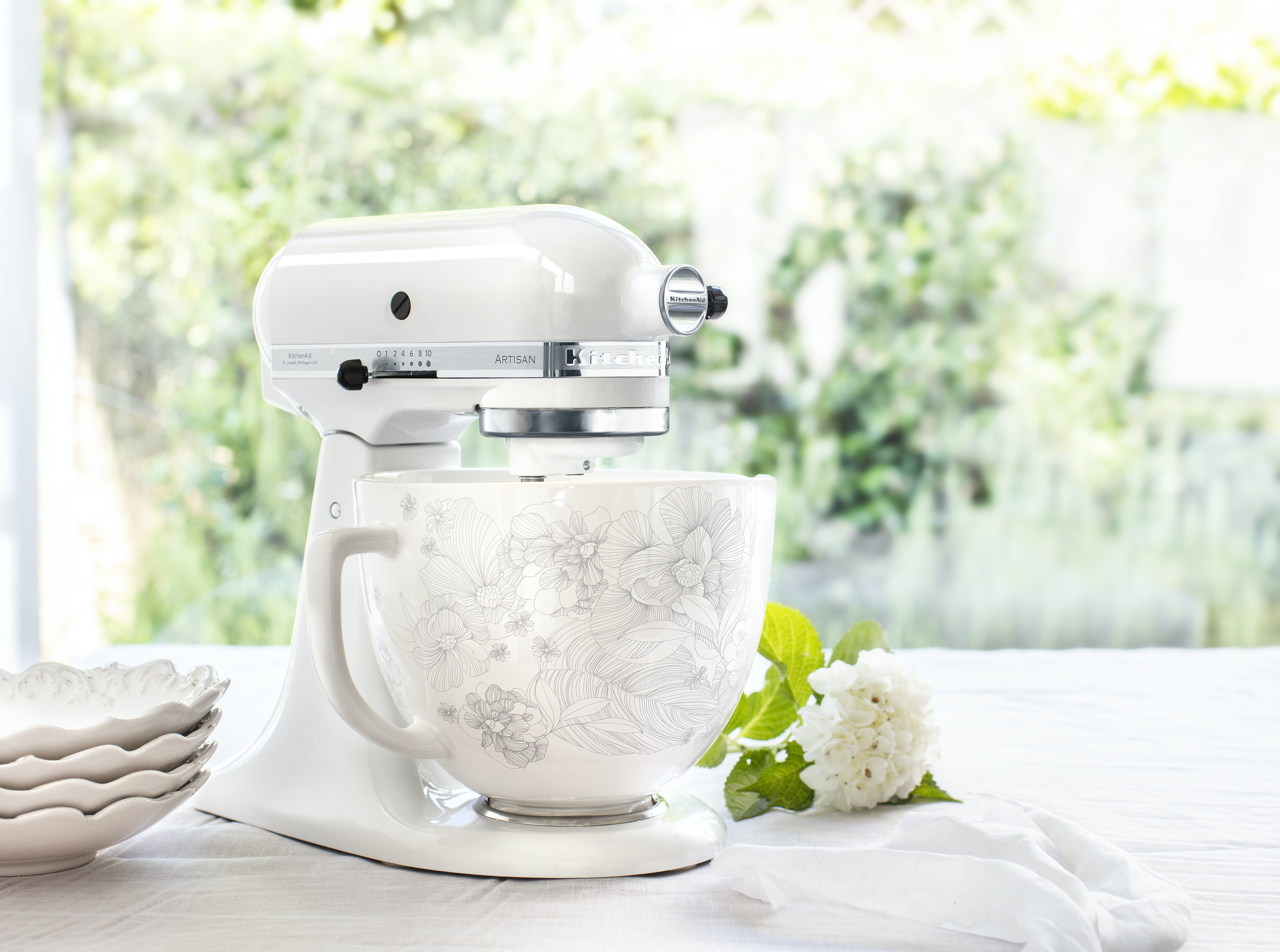 Kitchenaid S New Ceramic Mixing Bowls For Their Stand Mixers