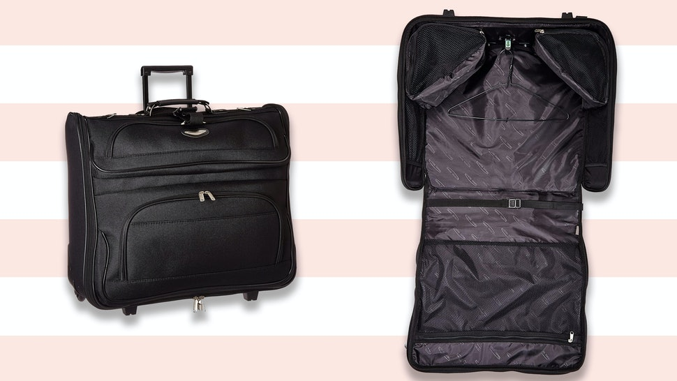03cd7c0e1 The 4 Best Garment Bags For Travel