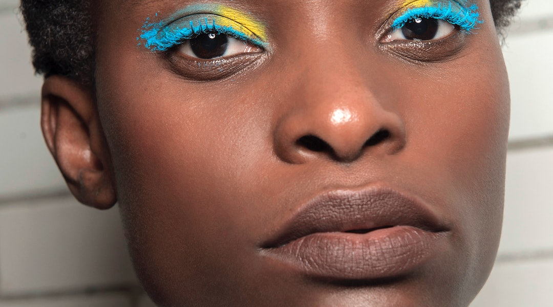 10 Bright Eye Makeup Products For Dark Skin That Actually Show Up ... 10 Bright Eye Makeup Products For Dark Skin That Actually Show Up ... Eye Makeup a dark eye makeup