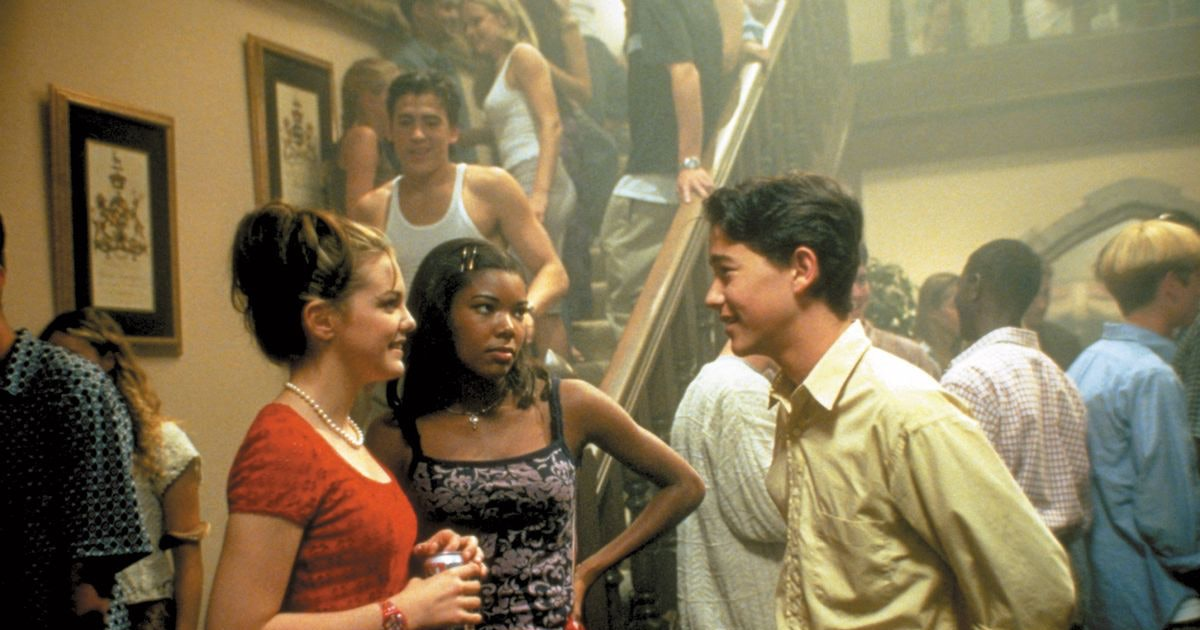 How '10 Things I Hate About You's Iconic Bogey Lowenstein Party Came To Be, According To The Movie's Cast & Crew