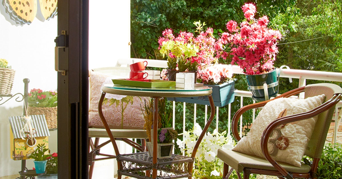 Outdoor Furniture Under $100 For Those Looking To Do Warm-Weather Entertaining