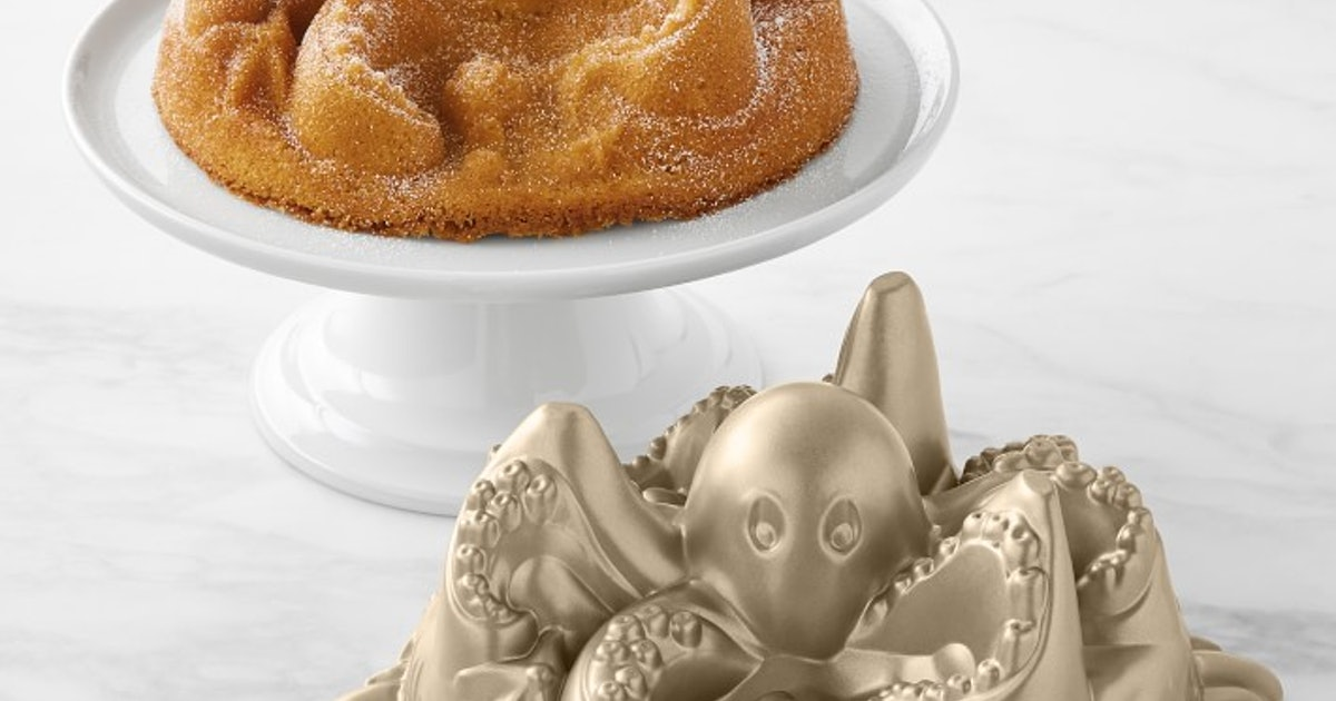 This Octopus Cake Mold Is Perfect For Your Child's Unusual Birthday Party