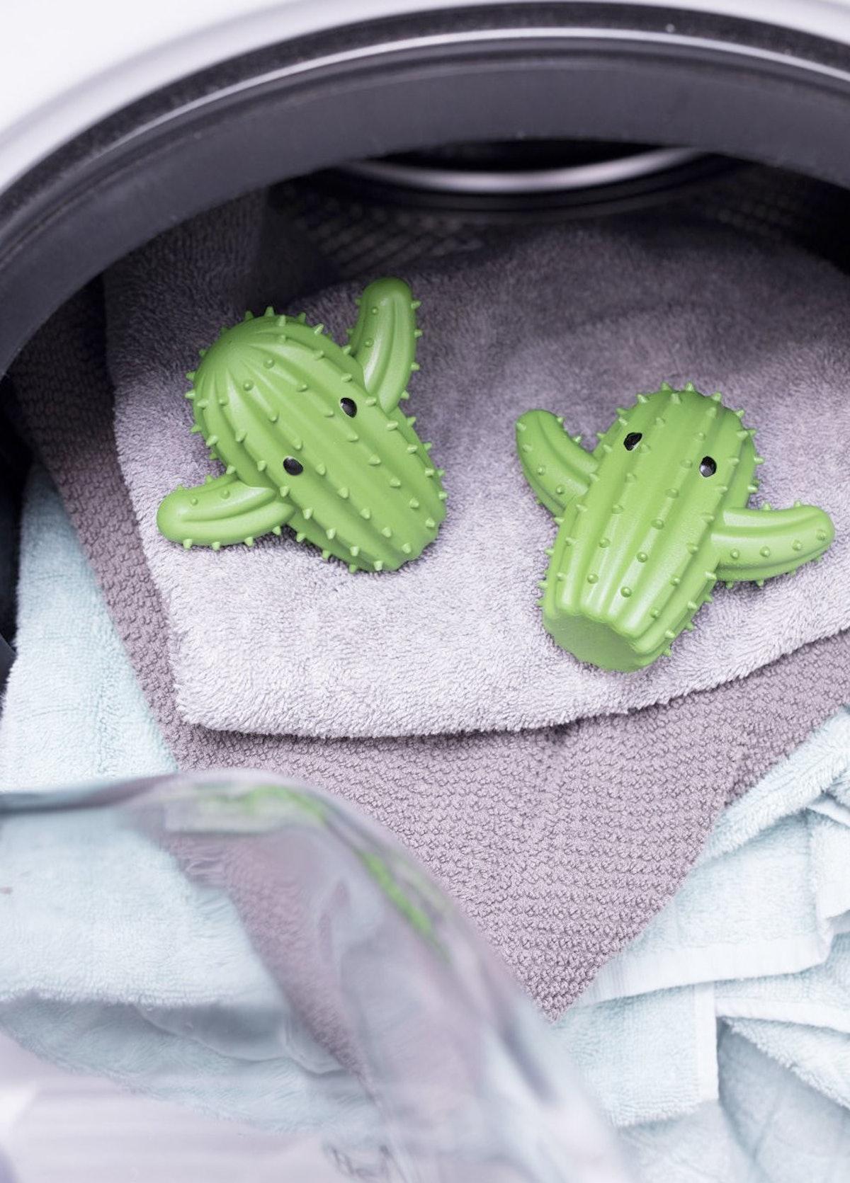 Kikkerland Cactus Dryer Balls (2 Pack)