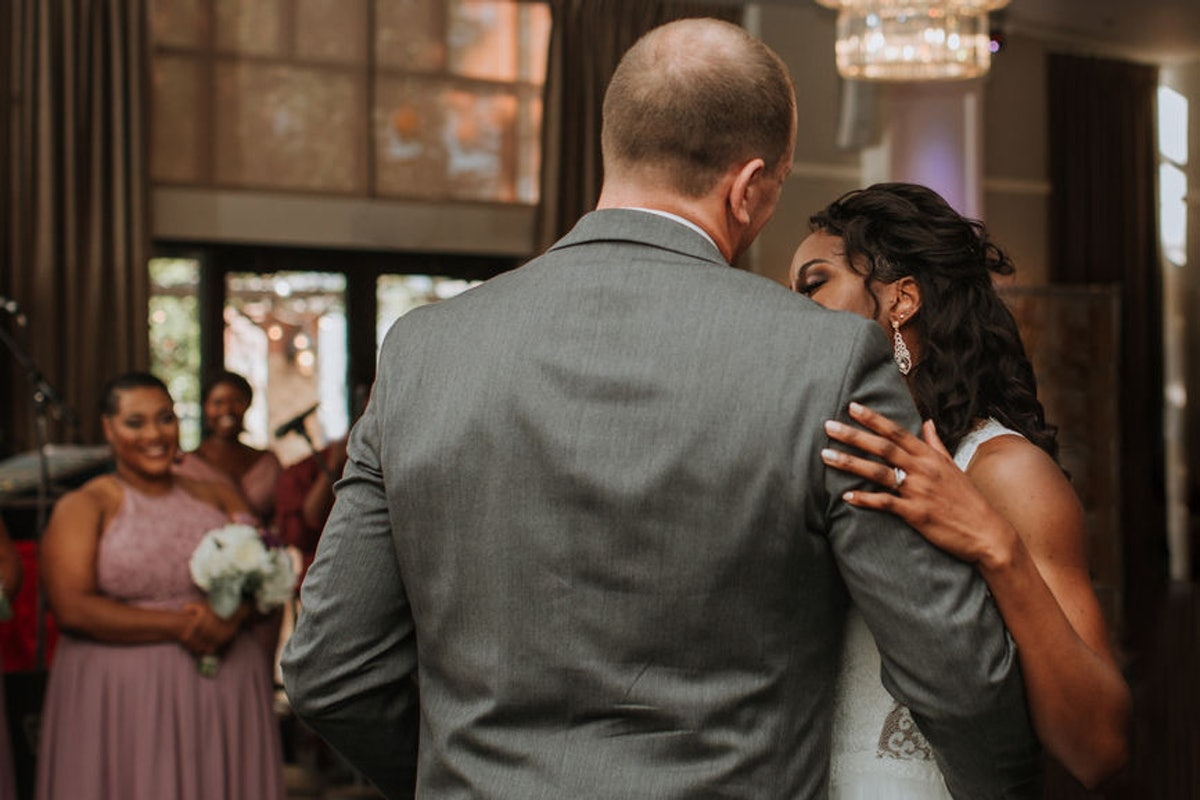Can You Fire Your Wedding Band Or DJ Last Minute? Here's What Experts Say