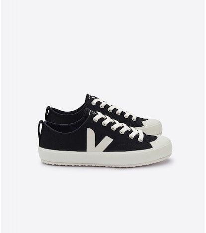 Nova Black Sneakers