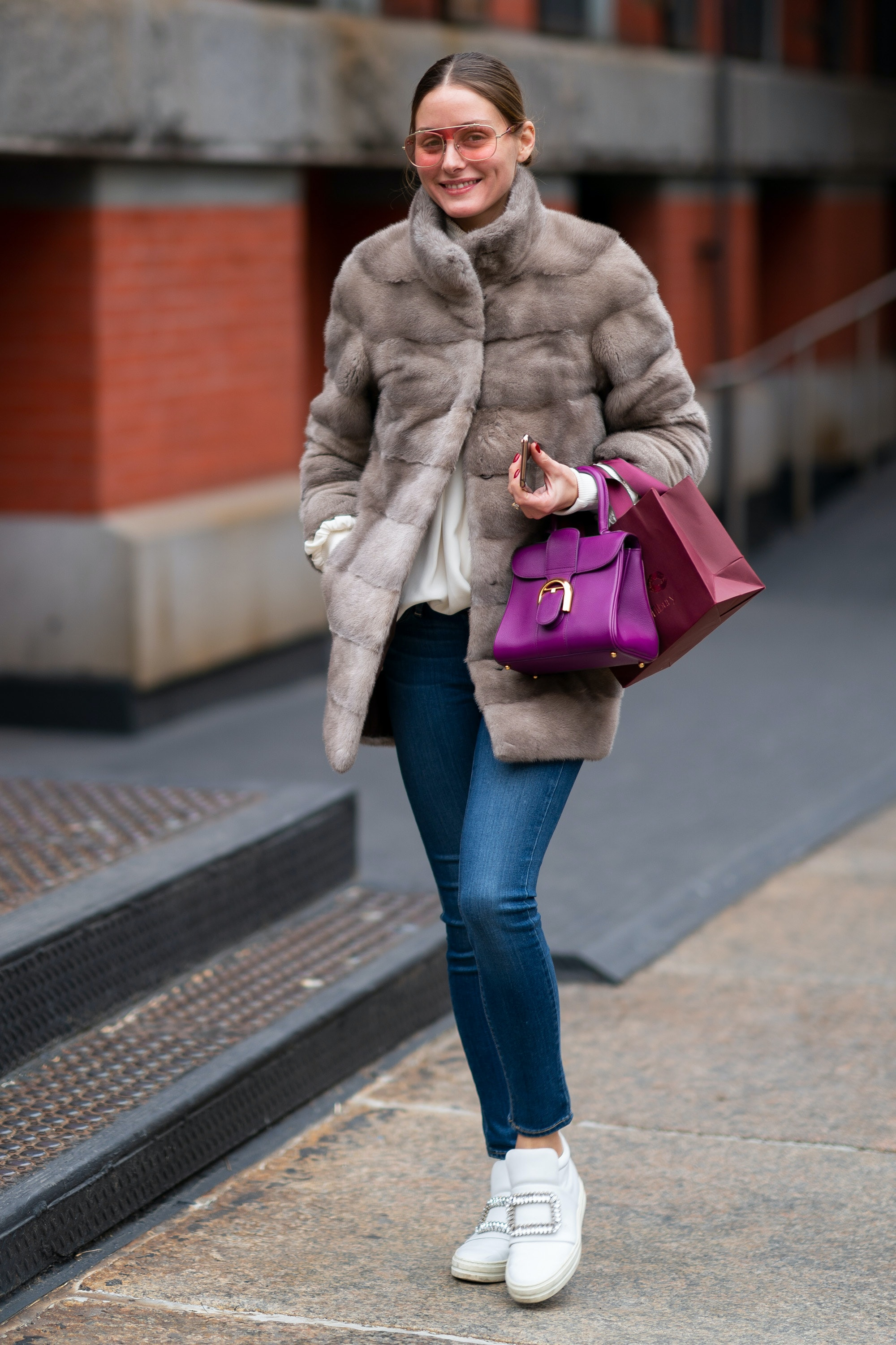 Olivia Palermo Loves Chunky Sneakers </p>                     </div>   <!--bof Product URL --> <!--eof Product URL --> <!--bof Quantity Discounts table --> <!--eof Quantity Discounts table --> </div>                        </dd> <dt class=