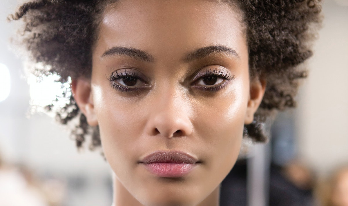 The 20 Best Drugstore Face Mists To Keep You Dewy & Refreshed, No Matter The Weather