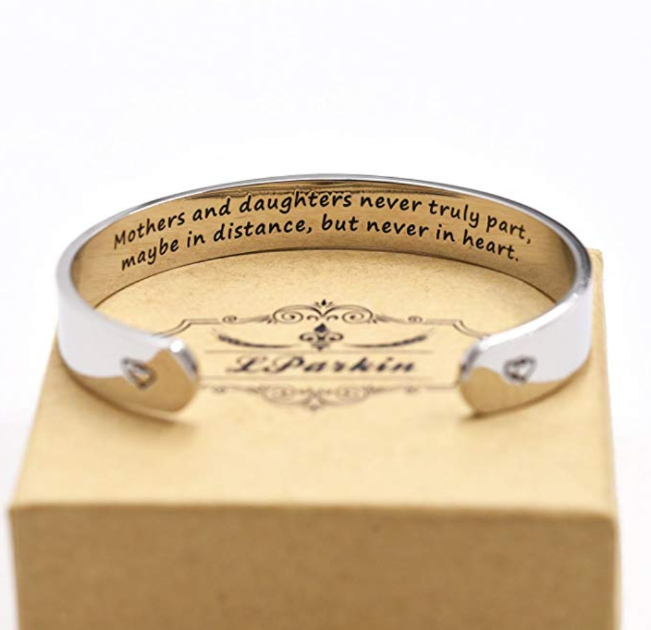Mom Bracelet Mothers Day Gift Initial Bracelet Two Peas in a Pod Pea Pod Bracelet