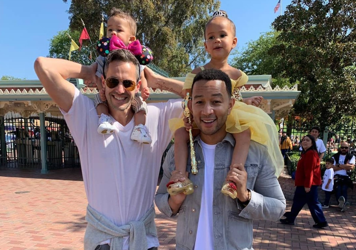10 Photos Of Celeb Dads At Disney World That Will Make You Swoon