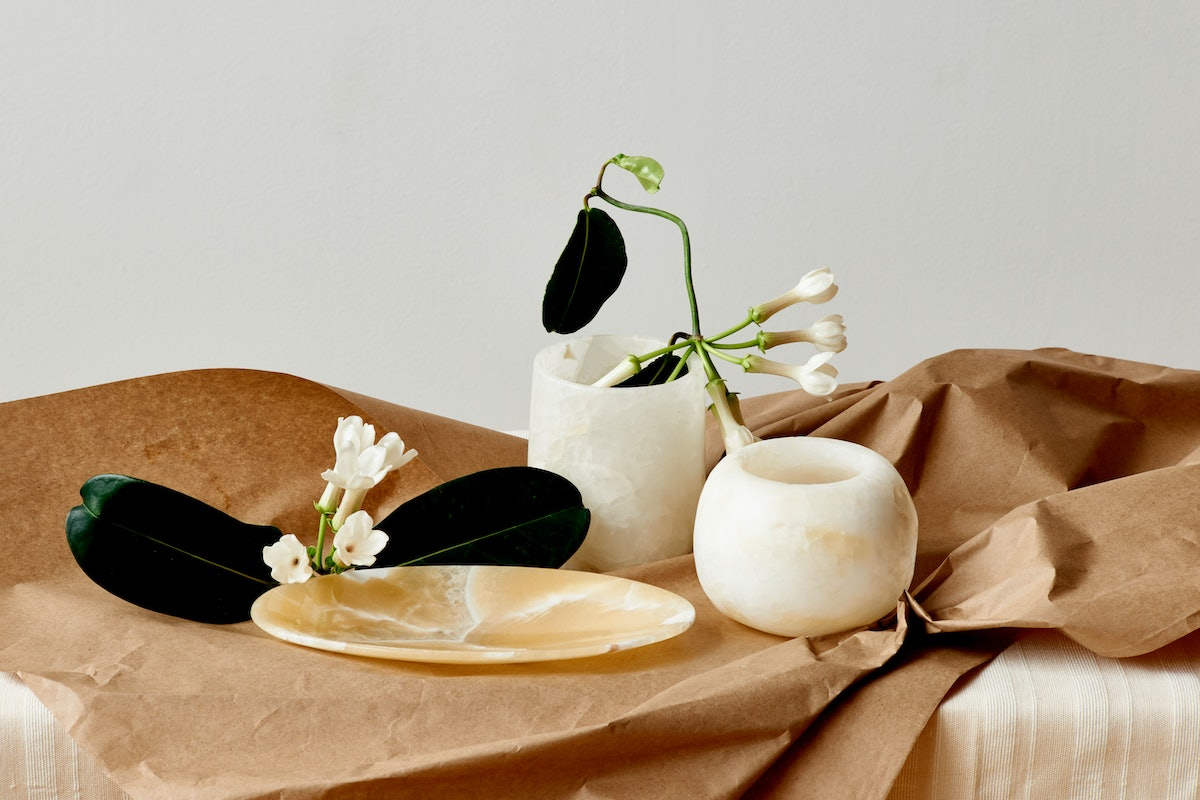 Kotn's Home Collection Debuted With Decor That's Just As Pretty & Minimal As The Brand's Clothing