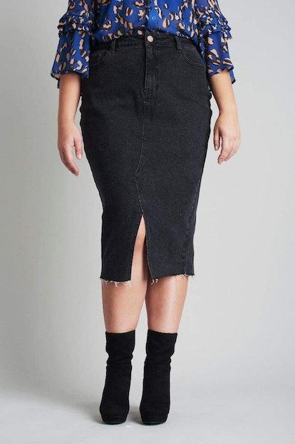 Denim Pencil Skirt In Washed Black