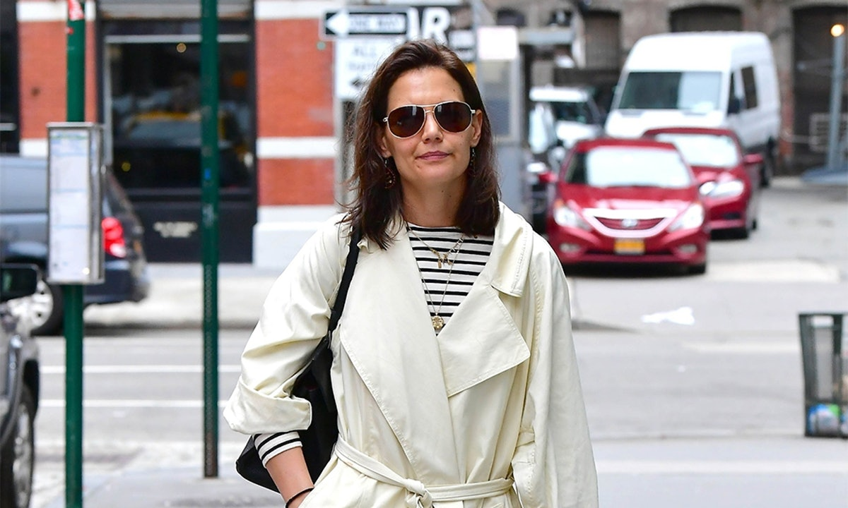 Katie Holmes' Beige Trench Coat Is A Staple For Spring Showers