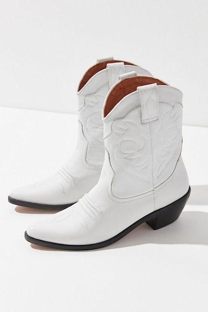 UO Lynn Cowboy Boot