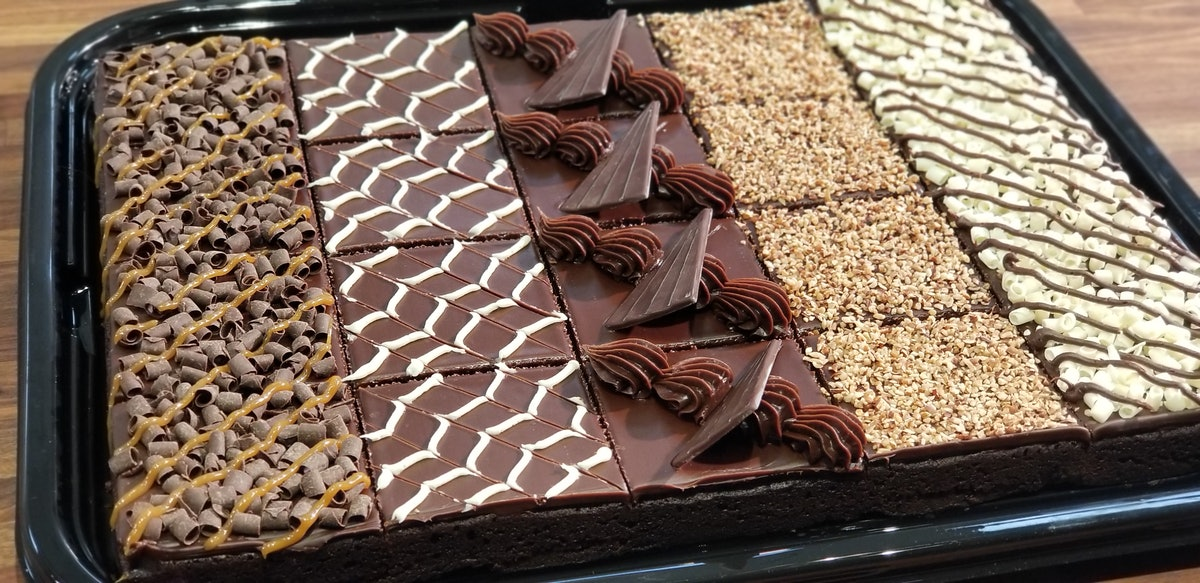 Sam's Club's 6-Pound Gourmet Brownie Platter Is A Big Delicious Mood