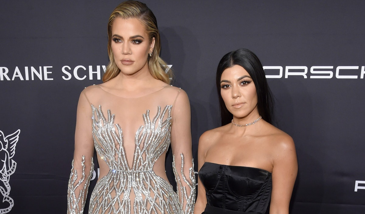 This Video Of Khloe & Kourtney Kardashian Making Up After A Fight Defines Sister Goals