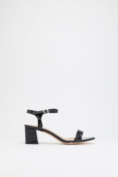 A Low It Croc Flare Block Sandals