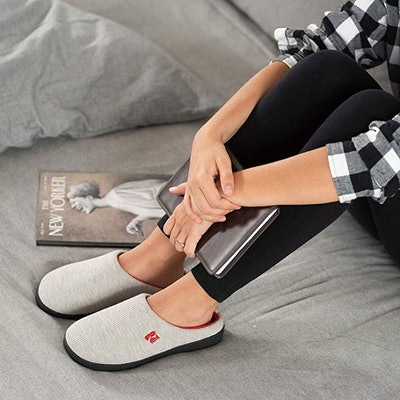 RockDove Memory Foam Slippers