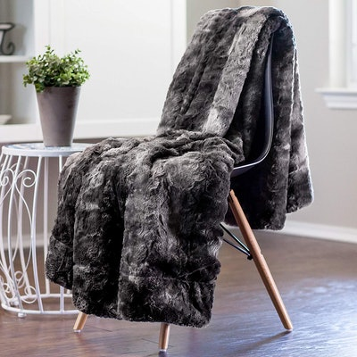 Chanasya Fur Throw Blanket