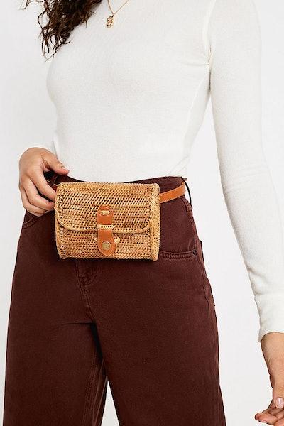 Structured Wicker Straw Belt Bag