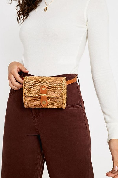 Structured Wicker Straw Belt Bag