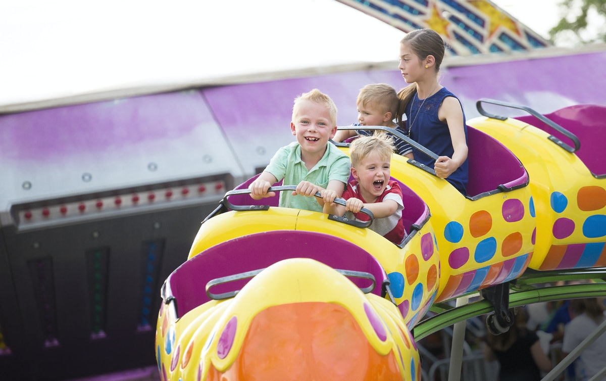 How Roller Coasters Affect Kids Is Bigger Than You Think, According To Experts